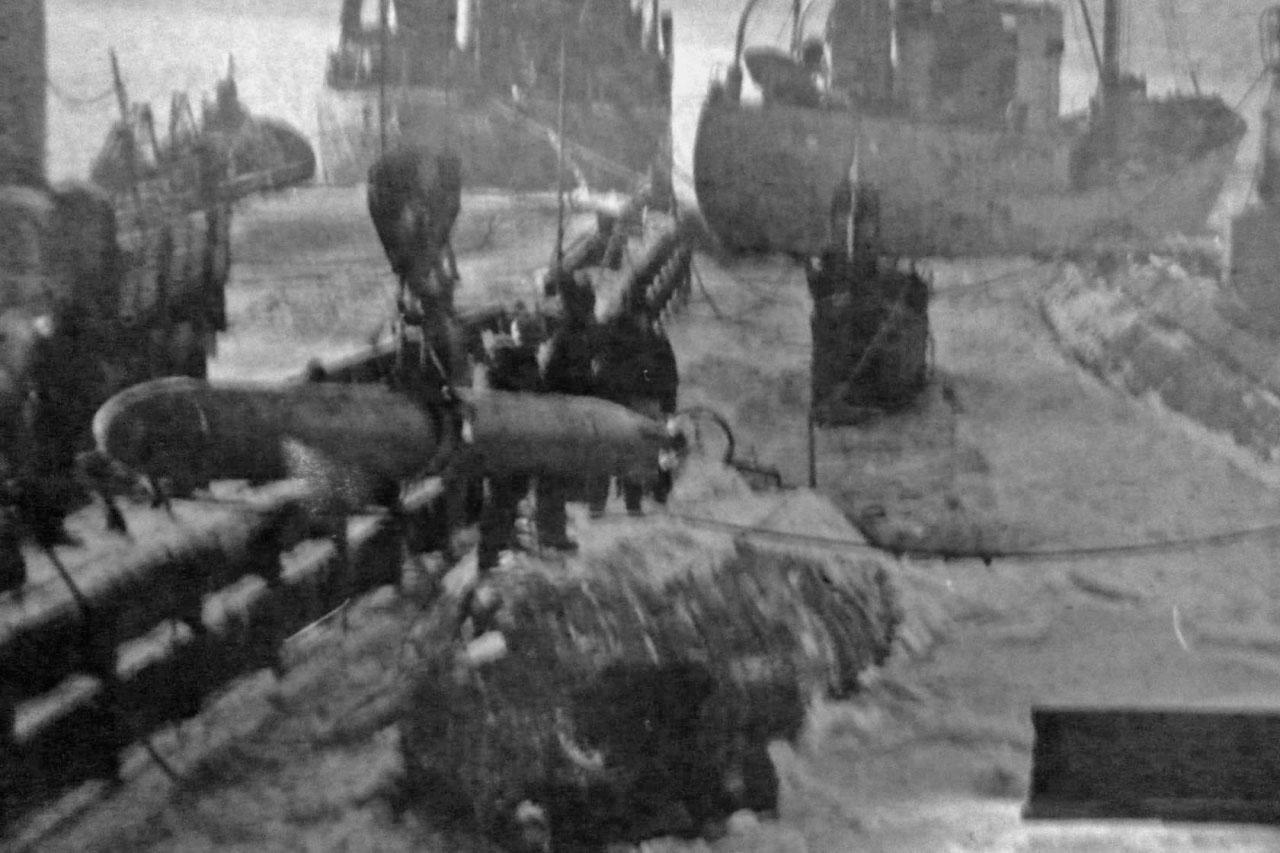 С-78. Погрузка торпед