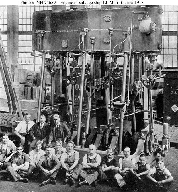 Фотография готовой паровой машины с её строителями.