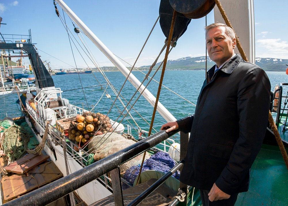 Генеральный директор «Тихоокеанской рыбопромышленной компании» Михаил Котов на борту СРТМ «Си Хантер».