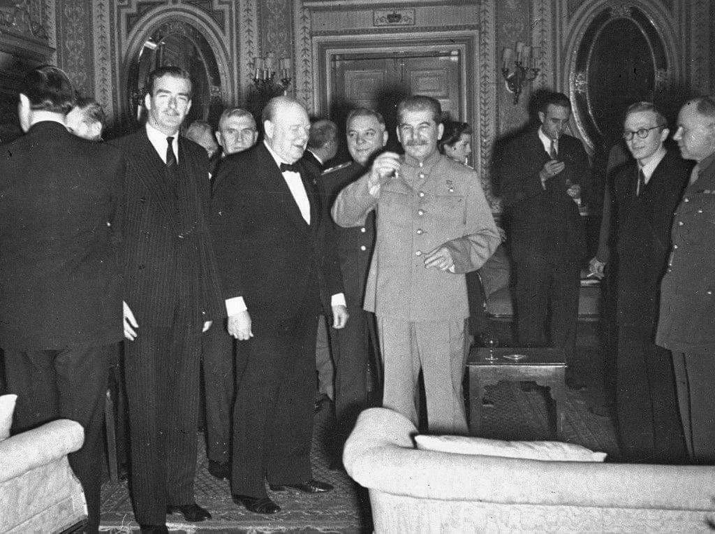 Тегеран, 30.11.1943 г.. Что-то Козина не видно среди тут!