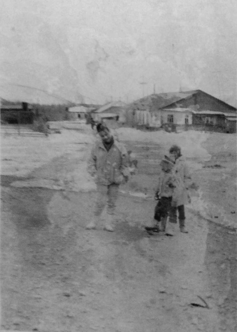На улице посёлка Горняцкий. Фото от Юлии Ильиной.
