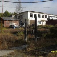 Поселок Холодный. Бывший садик «Ёлочка» и два столба от калитки, через которую дети шли из садика в школу.