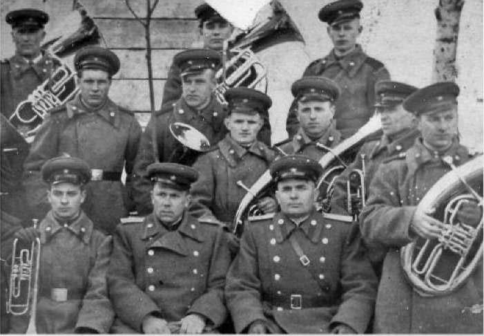 Оркестр военизированной охраны пос. Усть-Омчуг. 50-е годы ХХ века