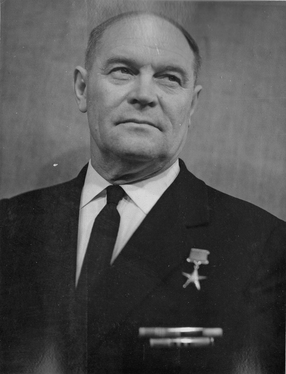 Анатолий Аверьянович Каладюк. Герой Социалистического Труда.