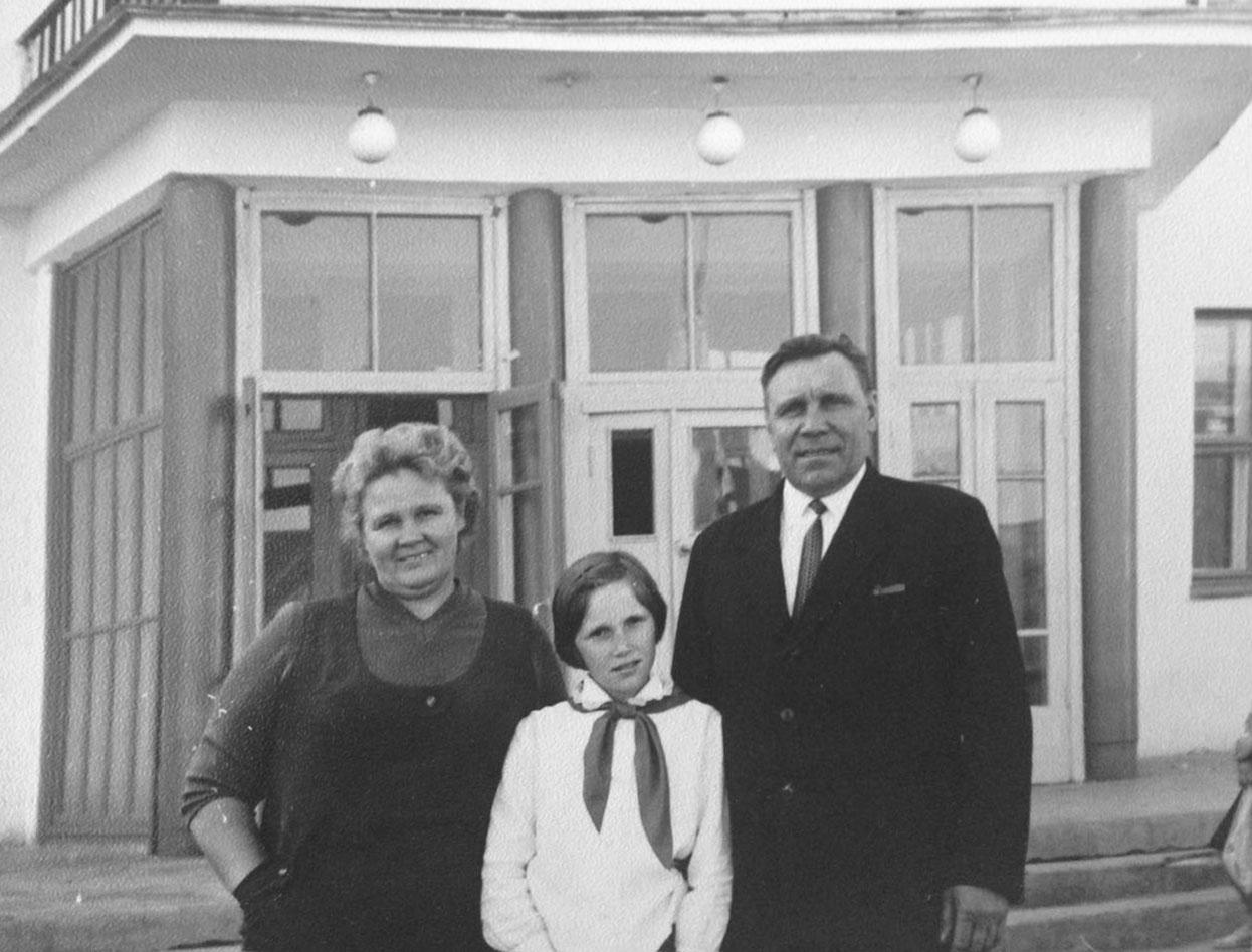 Милованов с женой Ниной Петровной и дочкой Натальей.