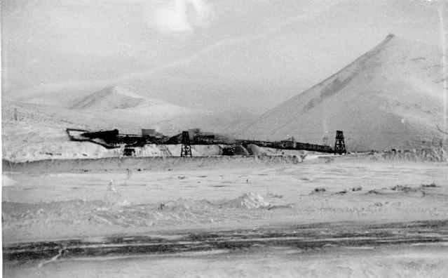 Фабрика имени Берии. Позже ЗиФ имени Матросова. Конечная точка канатной дороги. Сюда доставлялась руда на обработку.