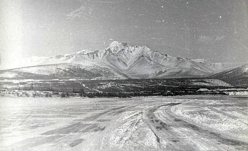 Зимник по реке Колыма.
