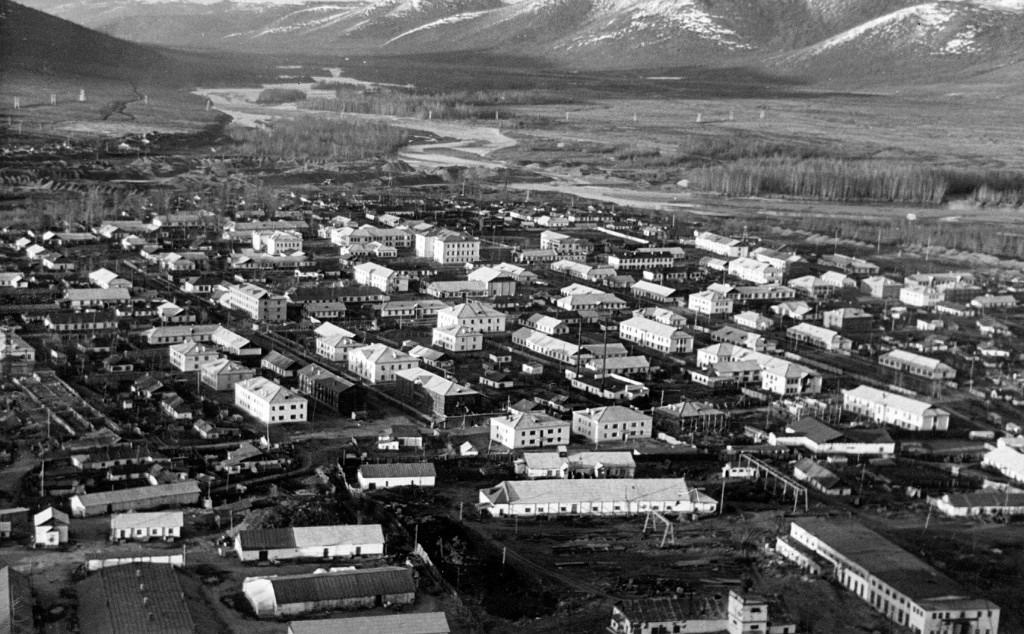 Усть-Омчуг первой половины 60-х годов ХХ-го века.