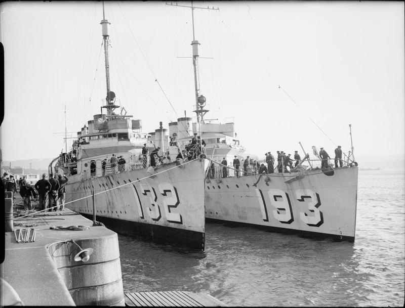 Два корабля, переданных США Англии в рамках договора «эсминцы в обмен на базы».