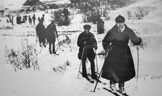 Переход из Нагаево в Хабаровск 12 магаданских лыжников–пограничников под руководством М.Ф. Пастернака. 1934 – 1935 года.