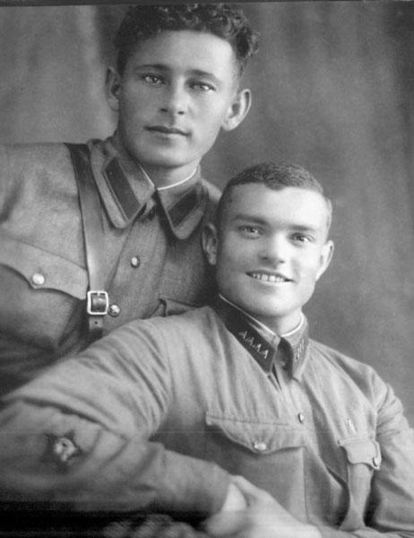 Г.В. Десятов и А.Г. Захаров, ольские пограничники