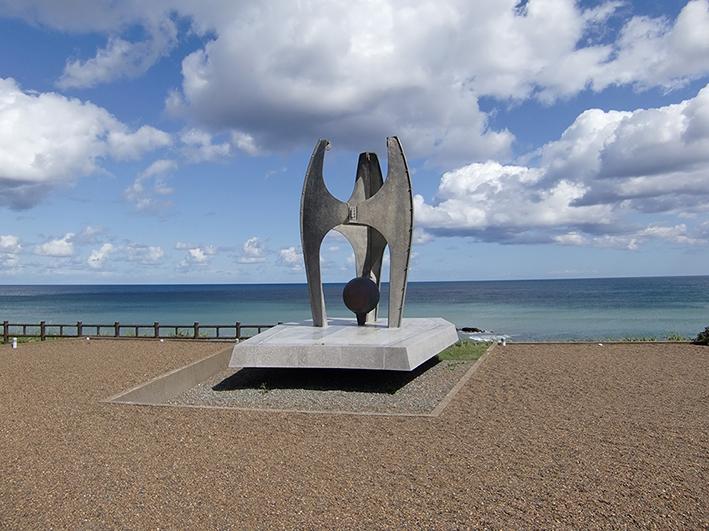 Памятник погибшим пассажирам «Индигирки» в японском поселке Сарафуцу.