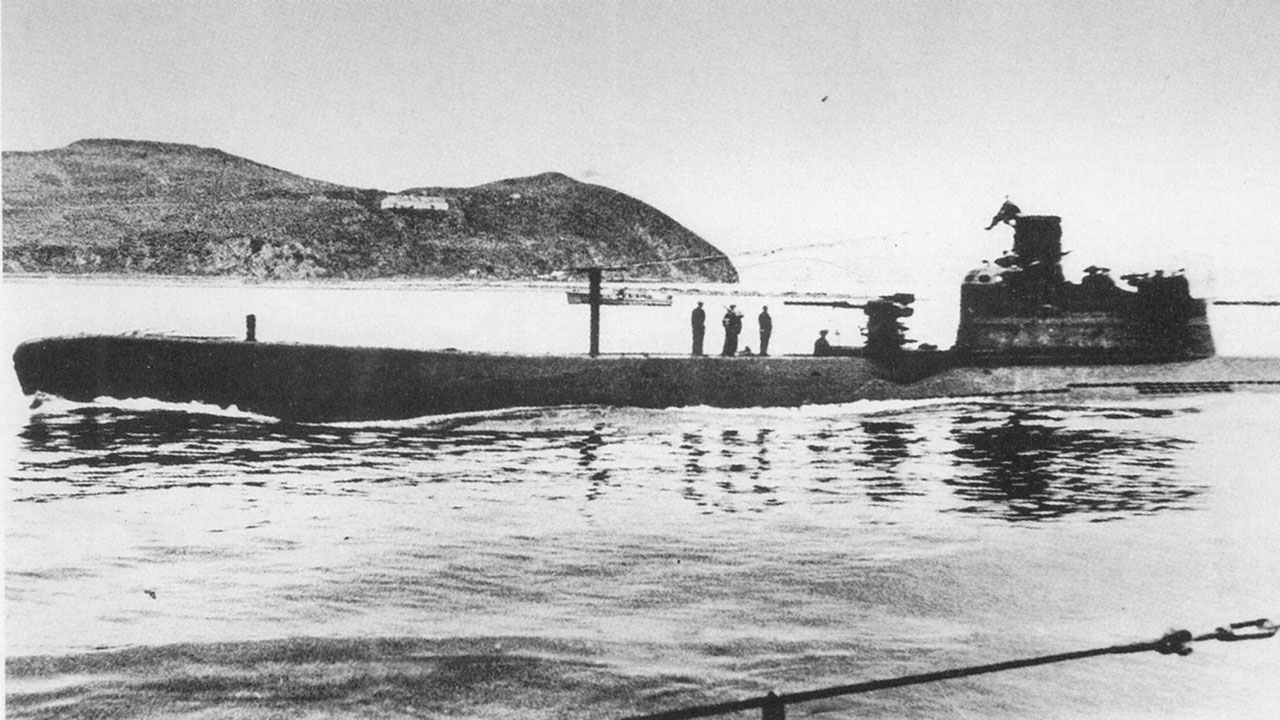 Подводная лодка Л-12. Возвращение на базу.