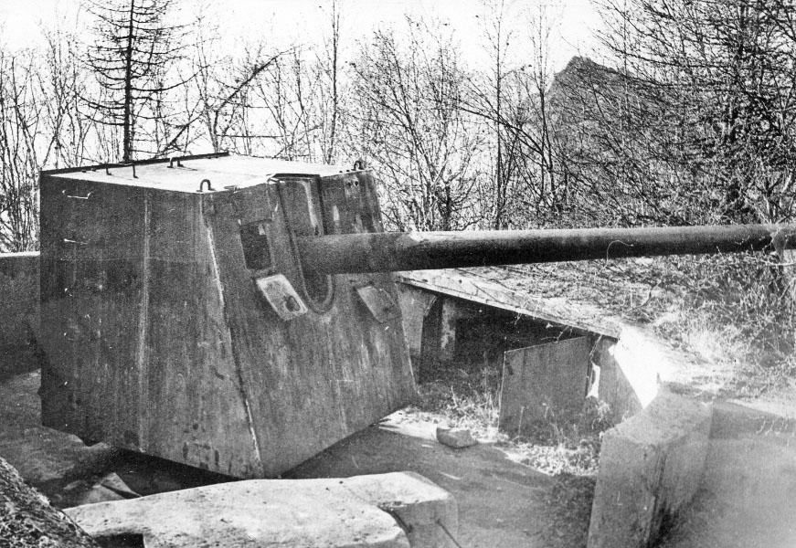 Орудие морской артиллерии с батареи на мысе Ольский