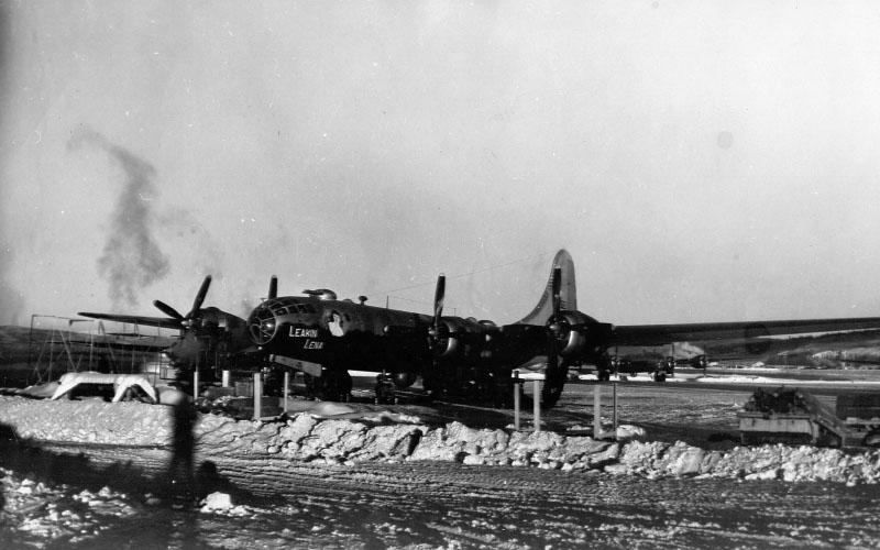 B-29 «Leaking Lena», Ladd Field, Alaska, 1947.