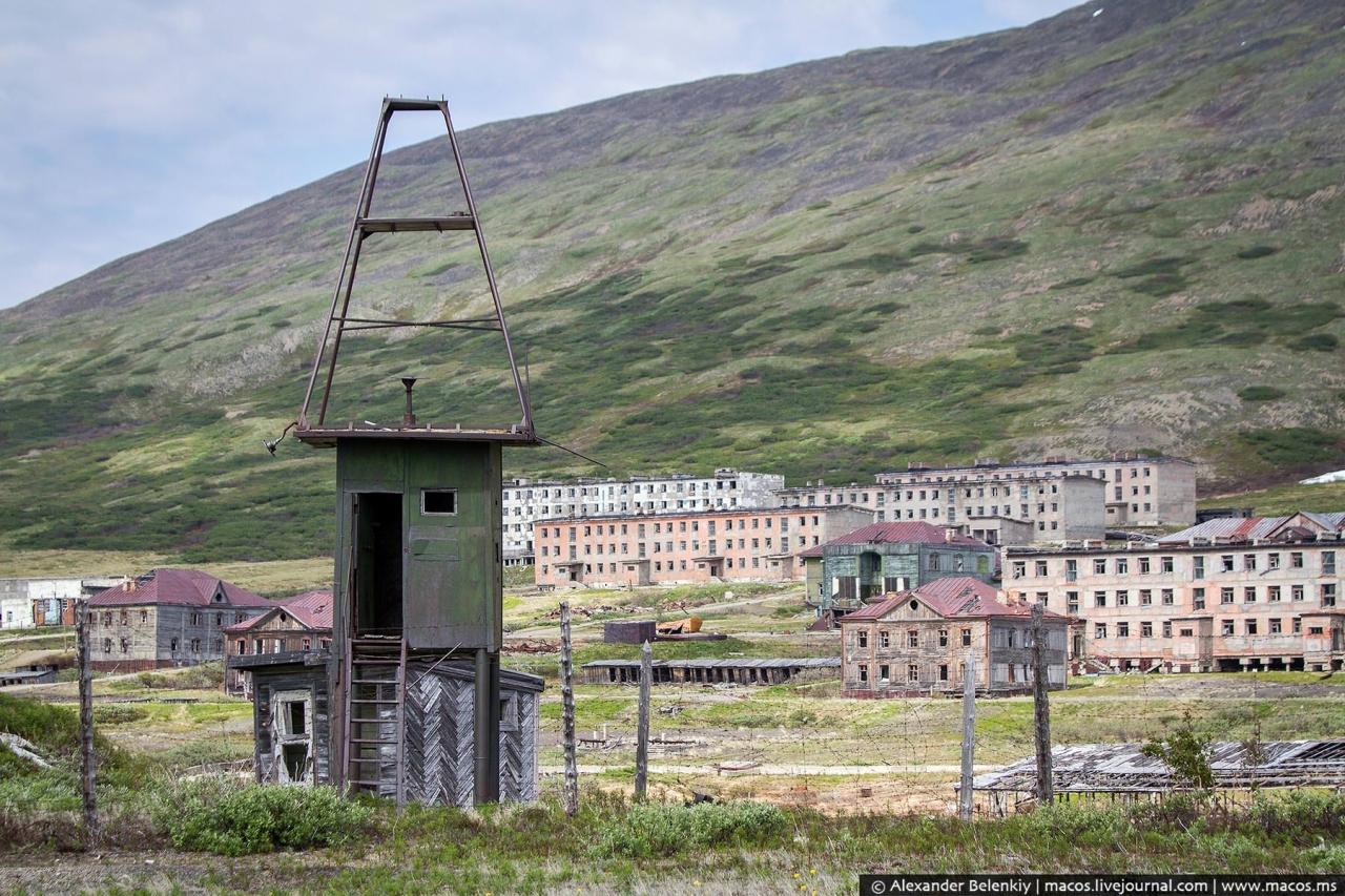 Гудым (Магадан-11). В 1958 годы началось строительство, а 1961 его уже заселяли. Полностью был заброшен в 2002 году.