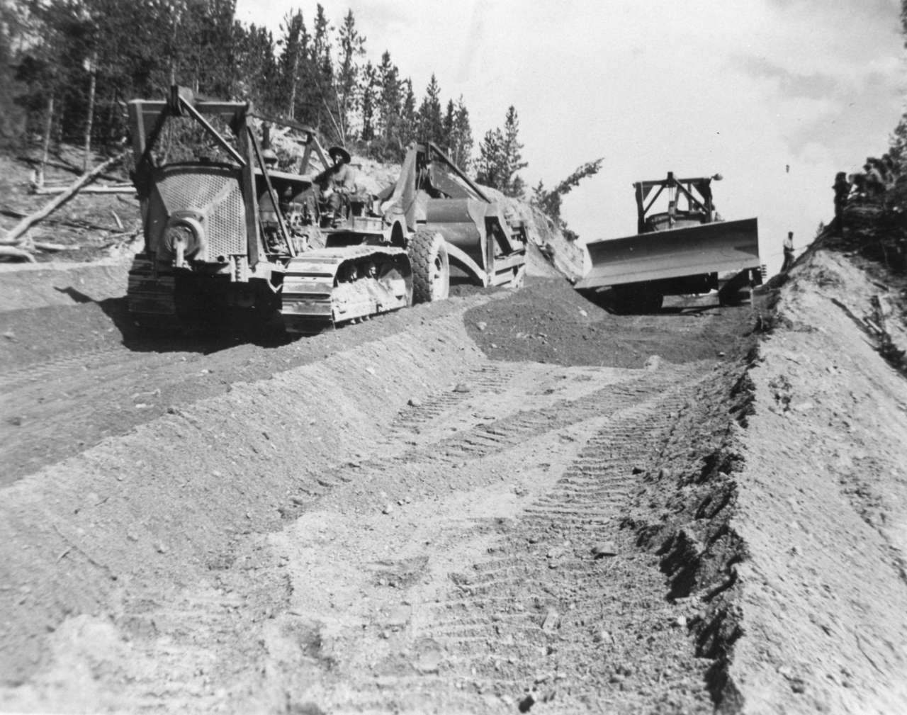 Строительство шоссе. Аляска, 1942 год.