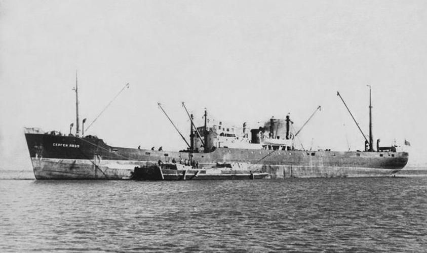 Грузопассажирский пароход «Сергей Лазо» (первое название South Afrika). Построен в 1909 году в Англии, на верфи Clyde SB. В СССР и ДВМП — с 1929 года.