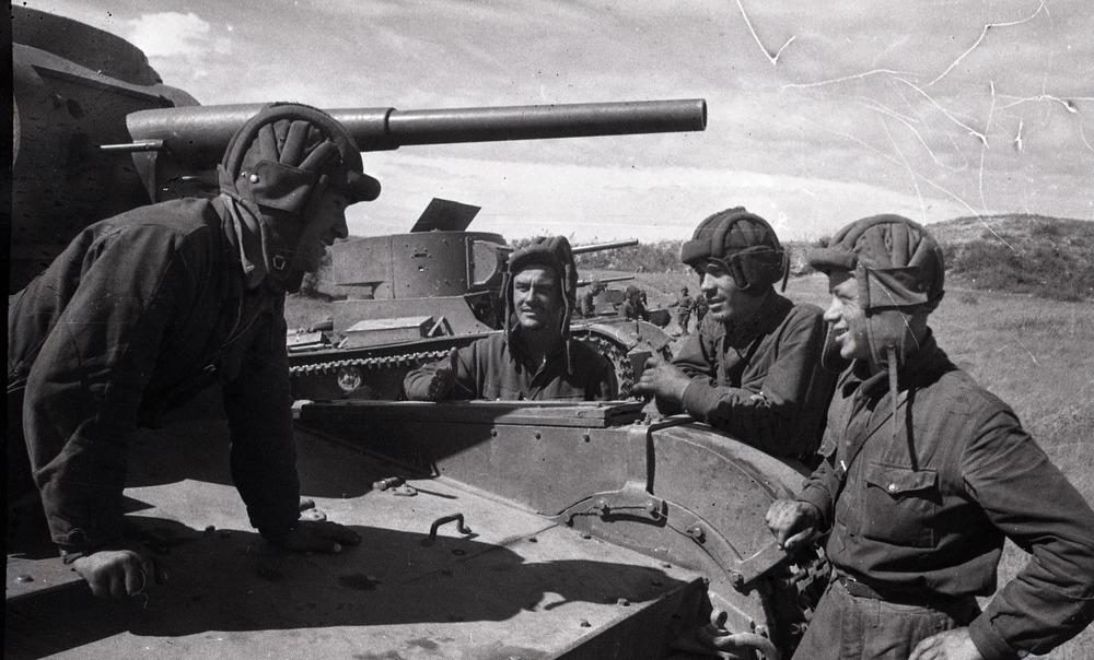 Халкин-Гол. Советские танкисты в перерыве между боями.