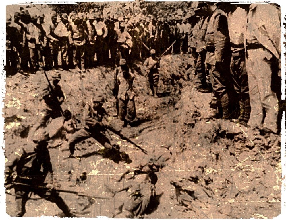 Отработка штыкового удара, на военнопленных и гражданских в Нанкине.