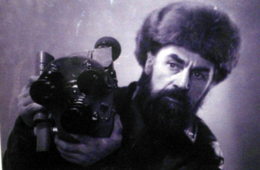 Режиссёр Юрий Янович Ледин, заслуженный деятель искусств РСФСР.
