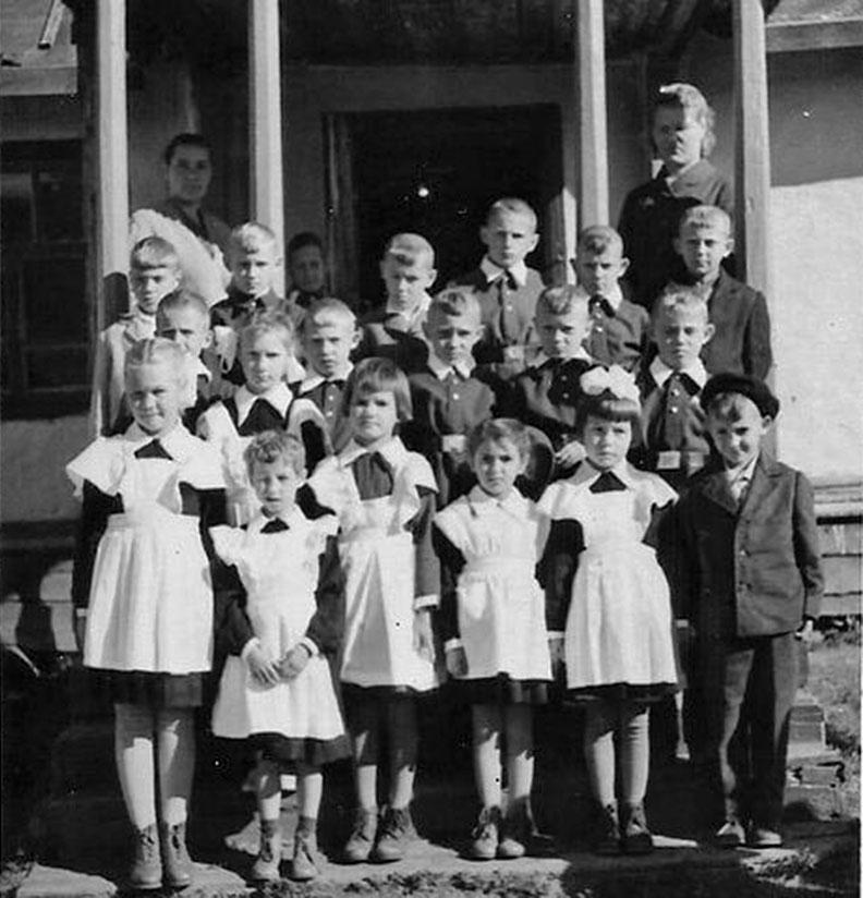 1 сентября 1963 года. 1класс. Посёлок Одинокий.