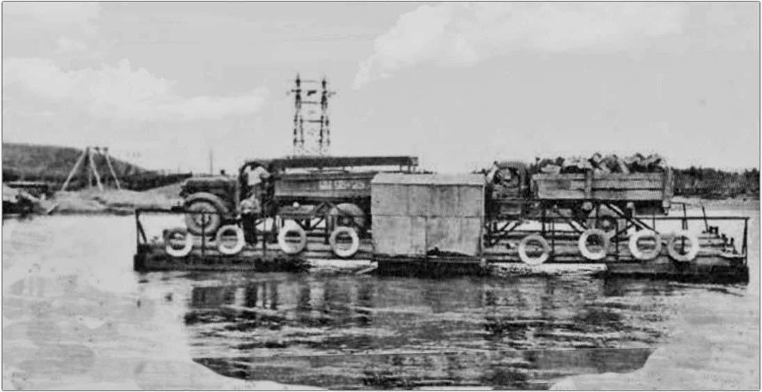Усть-Тасканский паром. Работал до 1964 года, пока не построили мост.