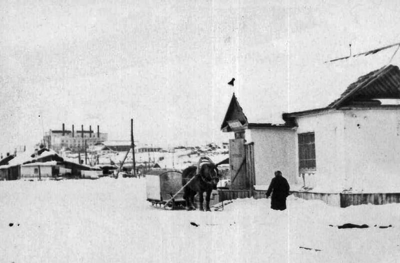 Нижний магазин. Усть-Таскан.