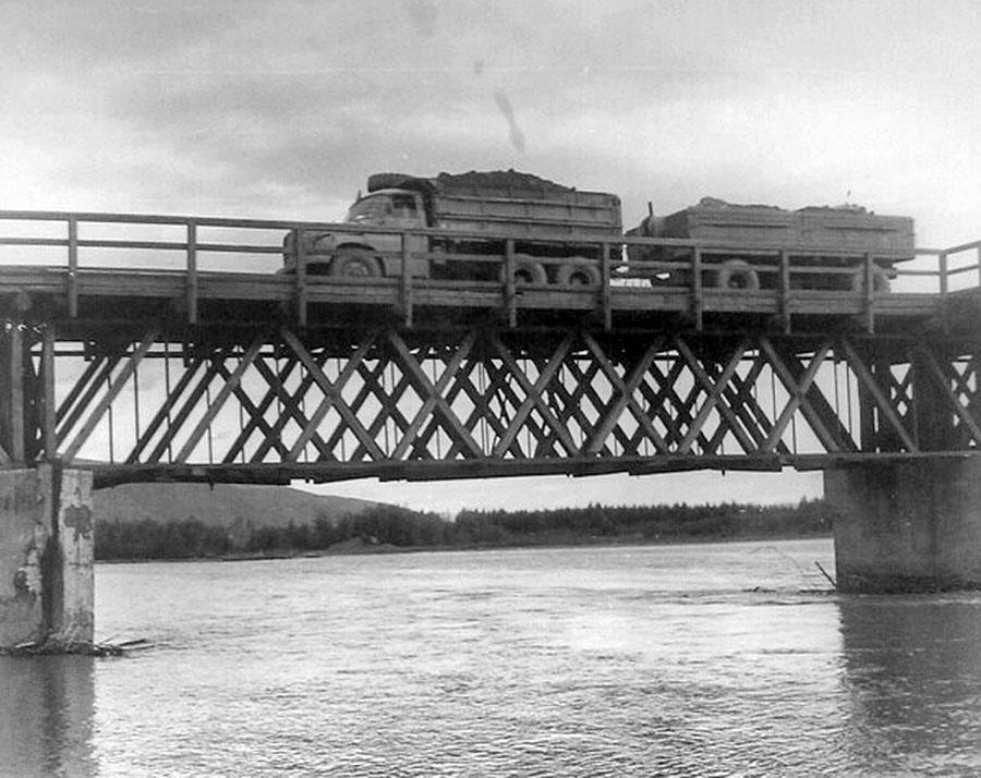 Татра везет уголь на Усть-Тасканскую ТЭС. Усть-Тасканский мост.