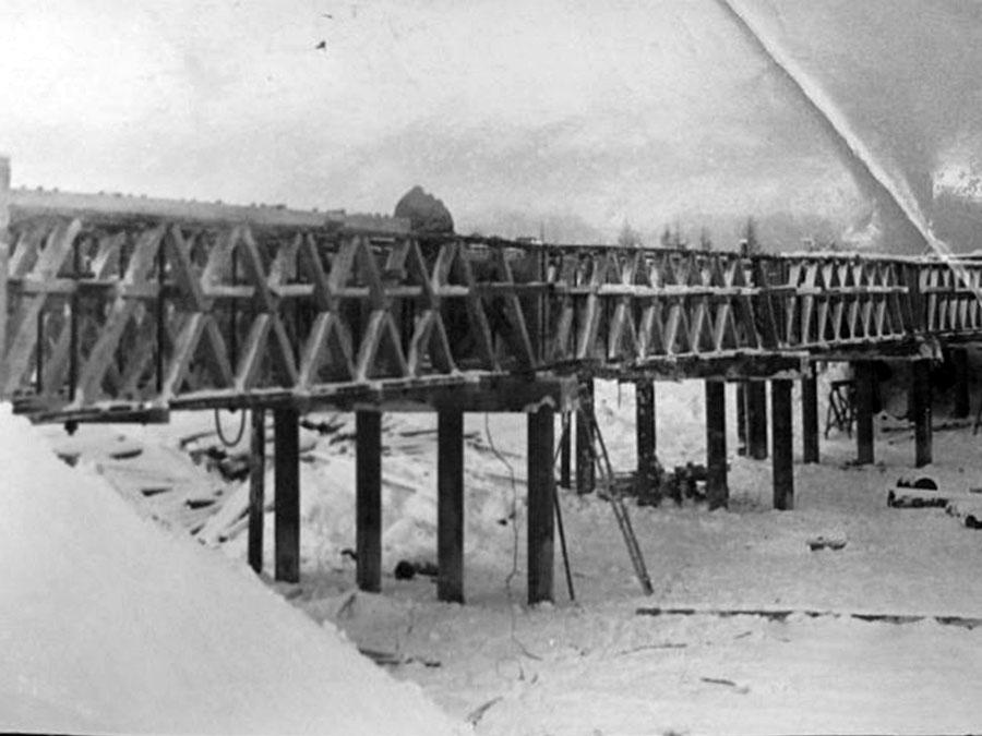 Строительство Усть-Тасканский моста. Начало 60-х годов ХХ века.
