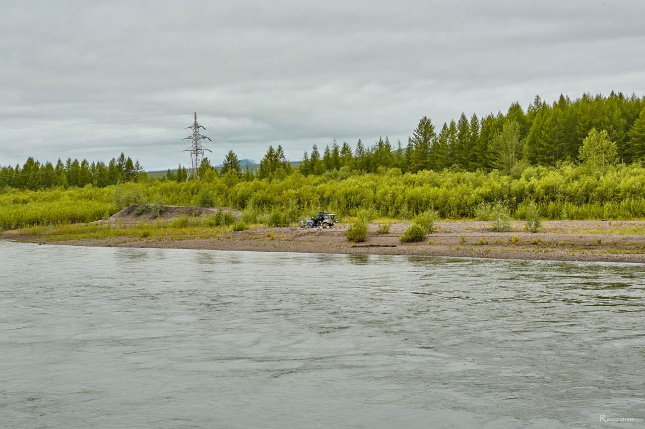 Наш лагерь на косе у моста. Усть-таскан. 2017 год.