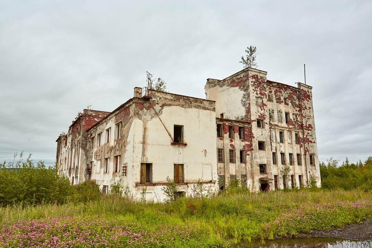 Здание Усть-Тасканской ТЭС. Июль 2017 года.
