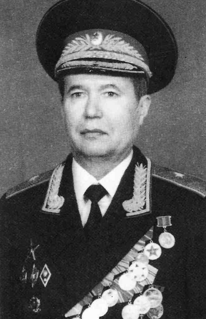 Генерал-майор КГБ Шиверских Анатолий Ильич.