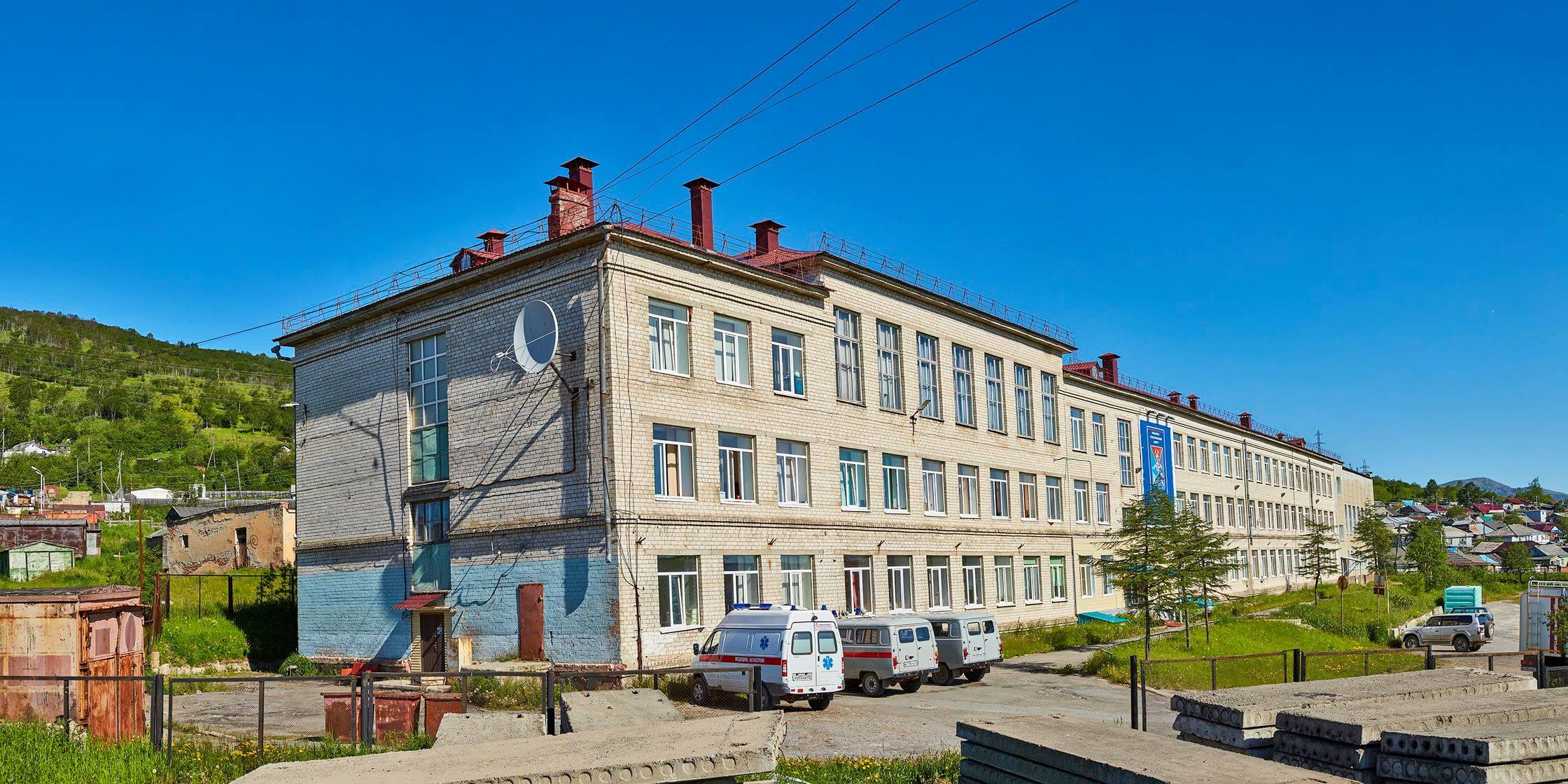 Здание бывшей средней школы №11.