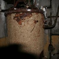 Батарея №960 на мысе Островном. Внутри капонира. Котел.