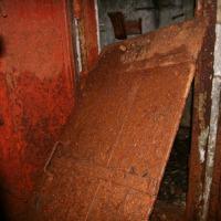Батарея №960 на мысе Островном. Капонир. Дверь между помещениями