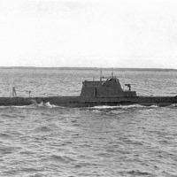 Подводная лодка типа «Щука» в море.