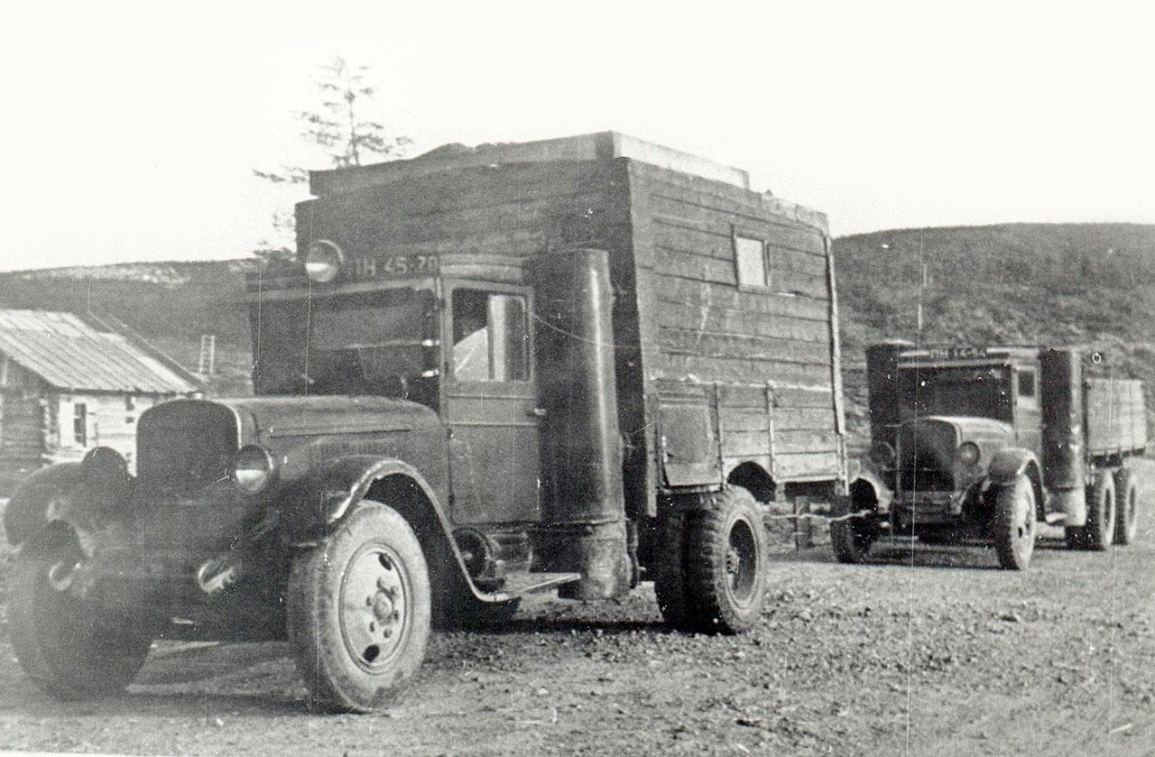 Газогенераторные автомобили, выпущенные на АРЗе. Сентябрь 1941 года.