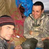 Бабиков Денис и Дорохов Леонид беседуют.