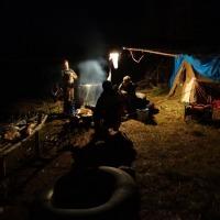 Вечер в лагере.