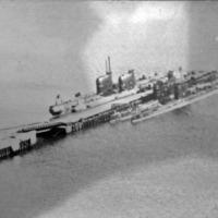 Подводные лодки 182-й отдельной бригады подводных лодок. С -176 правым бортом пришвартована к С-73 (Касатка)