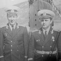 С-286. День ВМФ. 1981 год. Слева старпом Сырцев и любимый замполит Рукозенков.