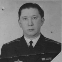 Командир С-365 капитан 2 ранга Богданов Виктор.