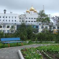 Сквер на месте Дом связи (телеграфа), построенный по проекту М.Ф. Булычева (позднее – Ленина, 2). Здание снесено в начале 1990-х.